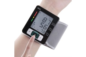 Wrist Cuff Electronic Blood Pressure Monitor with Case (CK-W133)