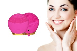 Silicone Ultrasonic Face Cleanser - Random Colour